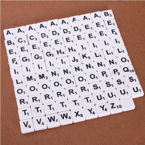 100pcs Scrabble Tiles English Letters Black / White Font For Kids Educational Toys