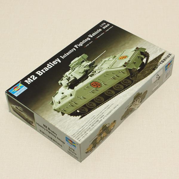 Hobbyboss Trumpeter M2 Bradley Infantry Fighting Vehicle Tank 1/72 Toys Model