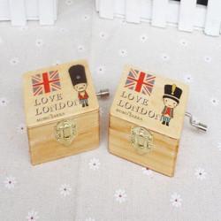 Vintage Nutcracker Wooden British Soldiers Cranked Music Box Creative Gift